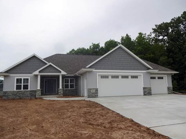 2917 Grand Cypress Lane, Green Bay, WI 54311 (#50203999) :: Todd Wiese Homeselling System, Inc.