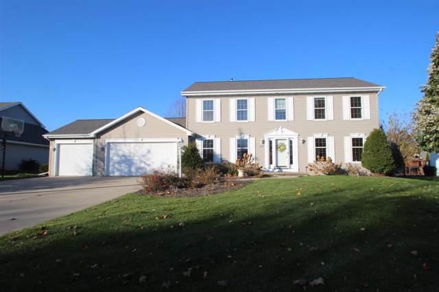 1480 Skylark Lane, Green Bay, WI 54313 (#50208924) :: Todd Wiese Homeselling System, Inc.