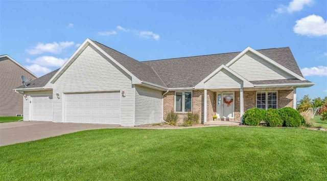 3687 Euro Lane, De Pere, WI 54115 (#50211603) :: Todd Wiese Homeselling System, Inc.