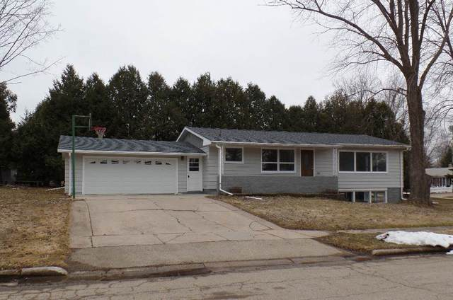 75 Grove Street, Clintonville, WI 54929 (#50215277) :: Todd Wiese Homeselling System, Inc.
