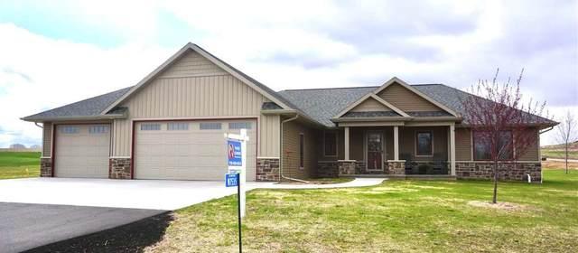 W7535 Cross Country Lane, Hortonville, WI 54944 (#50236030) :: Ben Bartolazzi Real Estate Inc