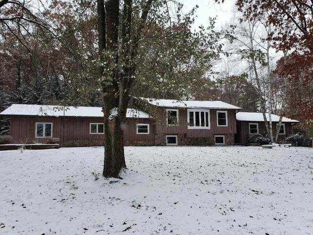 E1948 Melody Lane, Waupaca, WI 54981 (#50210562) :: Todd Wiese Homeselling System, Inc.