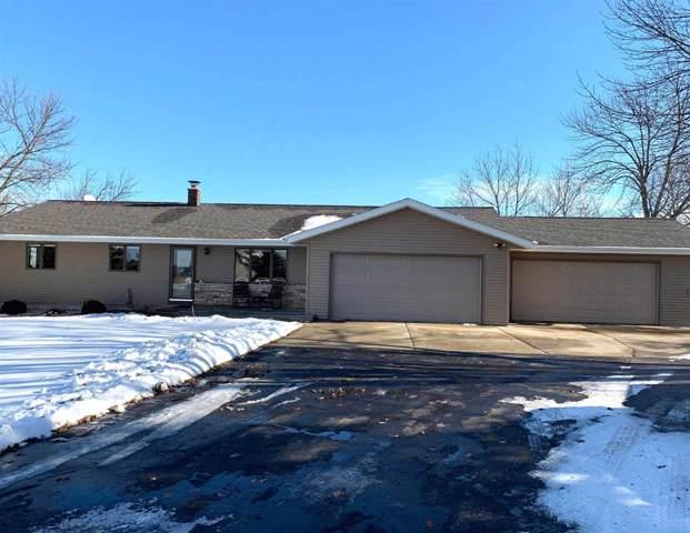 N5419 Buena Vista Drive, Fond Du Lac, WI 54937 (#50213308) :: Todd Wiese Homeselling System, Inc.