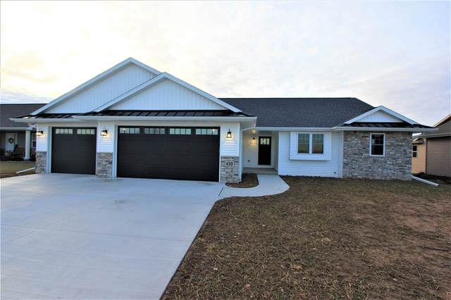 450 Longwood Lane, Wrightstown, WI 54180 (#50215515) :: Dallaire Realty