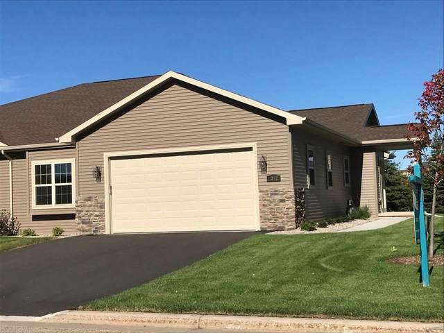 1204 Cameron Circle, Neenah, WI 54956 (#50201828) :: Todd Wiese Homeselling System, Inc.