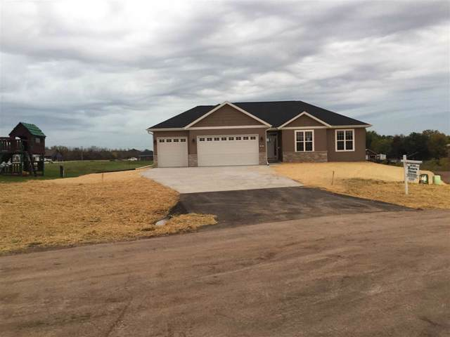 W6771 Osage Court, Fond Du Lac, WI 54937 (#50209072) :: Todd Wiese Homeselling System, Inc.