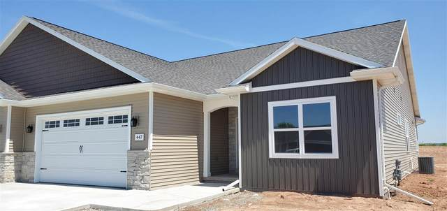 447 Longwood Lane, Wrightstown, WI 54180 (#50216433) :: Todd Wiese Homeselling System, Inc.