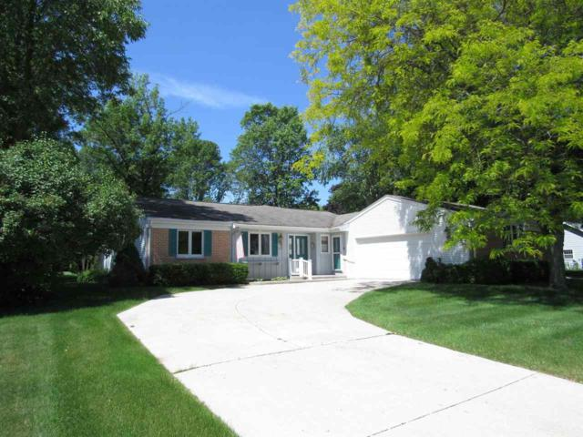 1252 Fleetwood Drive, Manitowoc, WI 54220 (#50196129) :: Todd Wiese Homeselling System, Inc.