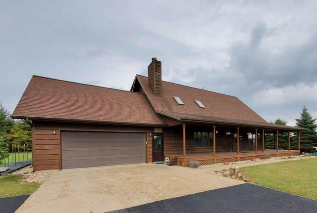 N8280 Swamp Road, Manawa, WI 54949 (#50243412) :: Todd Wiese Homeselling System, Inc.