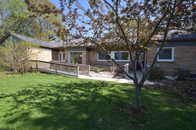 2734 University Avenue, Green Bay, WI 54311 (#50171322) :: Dallaire Realty
