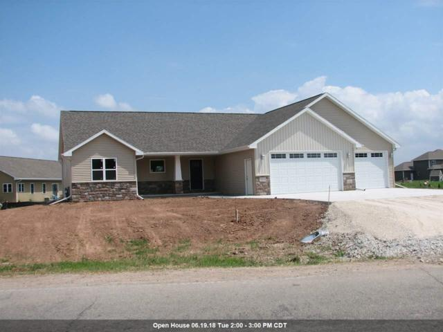 1019 S Railroad Street, Kimberly, WI 54136 (#50179382) :: Dallaire Realty