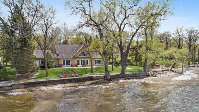 6121 Sandy Cove Road, Luxemburg, WI 54217 (#50203627) :: Dallaire Realty