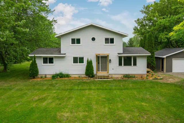 W7457 Lincoln Road, Van Dyne, WI 54979 (#50185348) :: Dallaire Realty