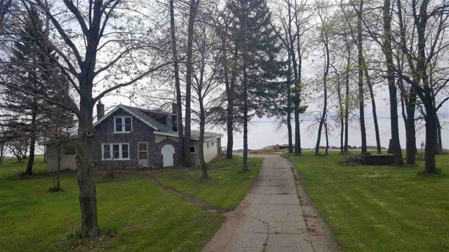 3426 Hwy S, Little Suamico, WI 54141 (#50163717) :: Dallaire Realty