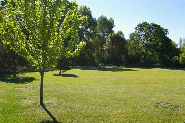 7271 Meadowridge Drive, Pickett, WI 54964 (#50165912) :: Dallaire Realty