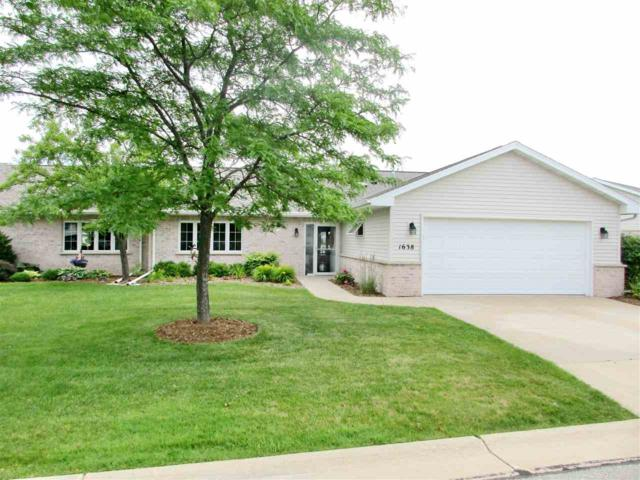 1638 Twin Lakes, Green Bay, WI 54311 (#50168043) :: Dallaire Realty