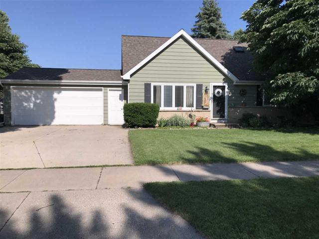1272 Green Acres, Neenah, WI 54956 (#50168102) :: Dallaire Realty