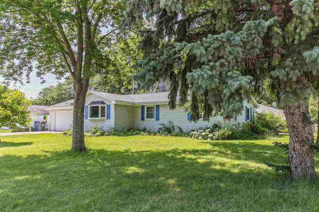 2120 East River, Green Bay, WI 54301 (#50168278) :: Dallaire Realty