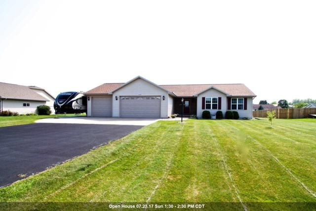 W7053 Maple Terrace, Greenville, WI 54942 (#50168303) :: Dallaire Realty