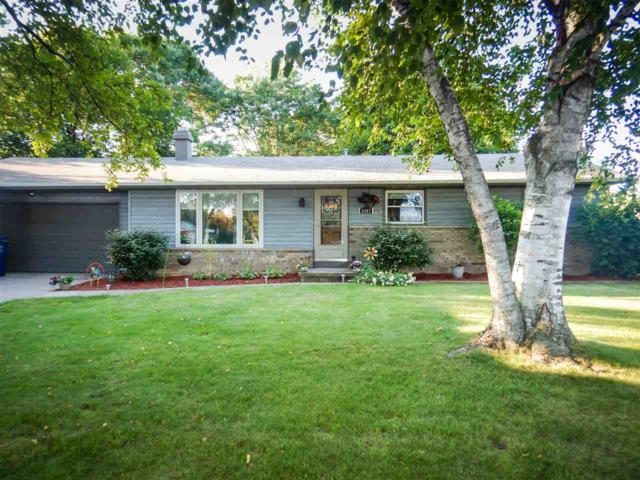 2987 Beth, Green Bay, WI 54311 (#50168391) :: Dallaire Realty