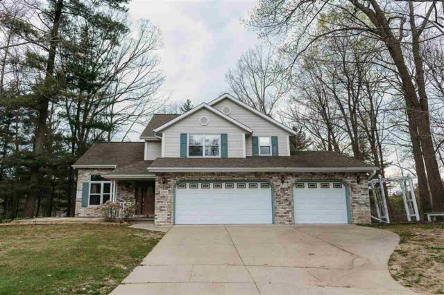 1022 Village Green, Green Bay, WI 54313 (#50168403) :: Dallaire Realty
