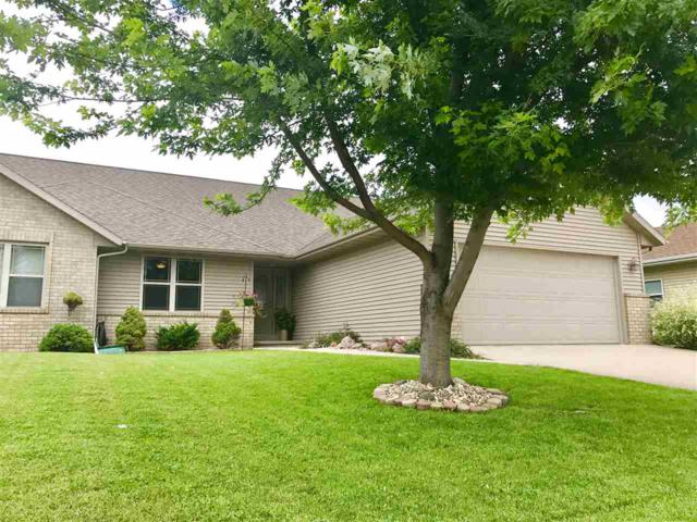 4827 N Apple, Appleton, WI 54913 (#50168450) :: Dallaire Realty