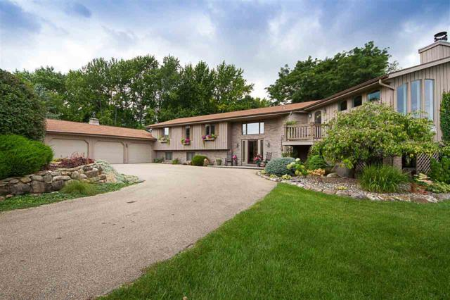 108 Limekiln Drive, Neenah, WI 54956 (#50170788) :: Todd Wiese Homeselling System, Inc.