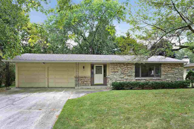 136 Woodview Lane, Green Bay, WI 54301 (#50171139) :: Dallaire Realty
