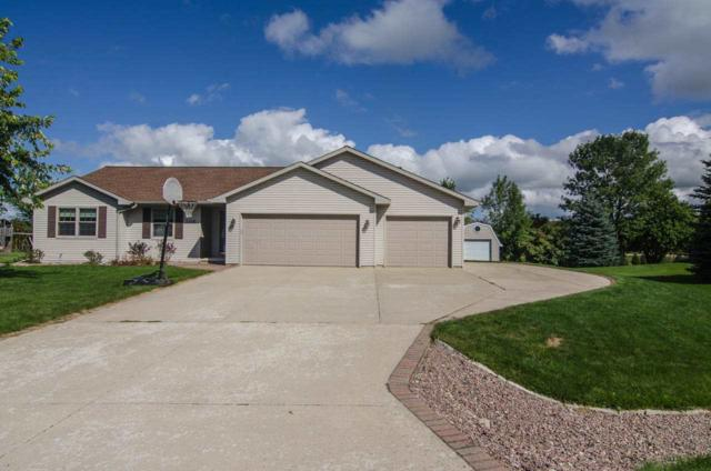 2416 Royal Bay Ridge Road, New Franken, WI 54229 (#50171297) :: Todd Wiese Homeselling System, Inc.