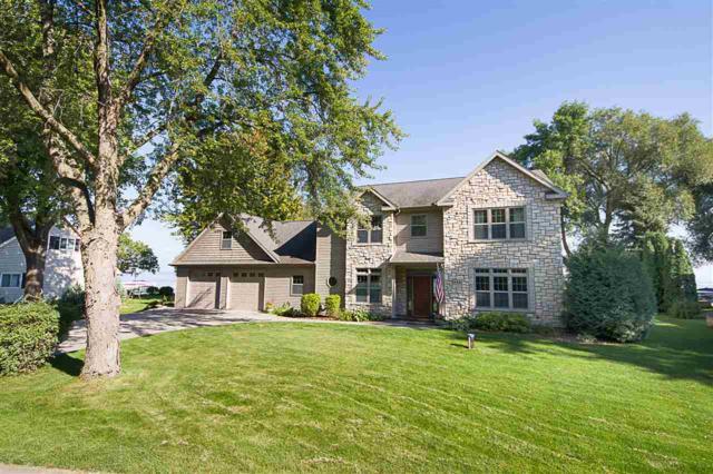 496 Plummers Harbor Road, Neenah, WI 54956 (#50171491) :: Todd Wiese Homeselling System, Inc.