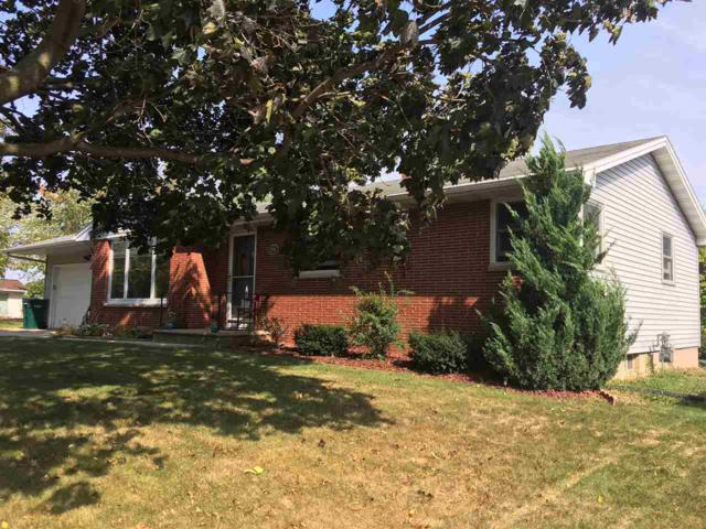1206 Main Street, Luxemburg, WI 54217 (#50171885) :: Todd Wiese Homeselling System, Inc.