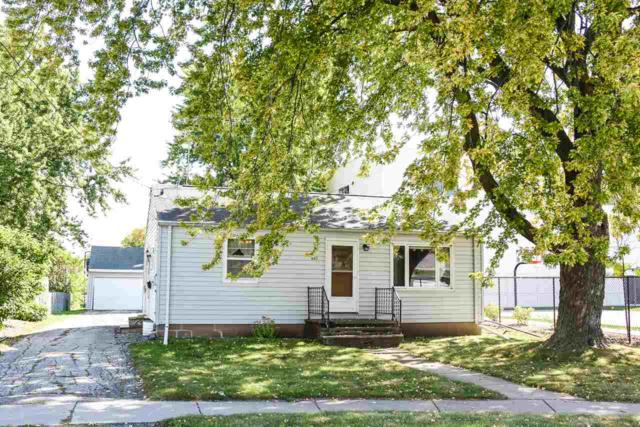 601 School Court, Menasha, WI 54952 (#50171888) :: Dallaire Realty