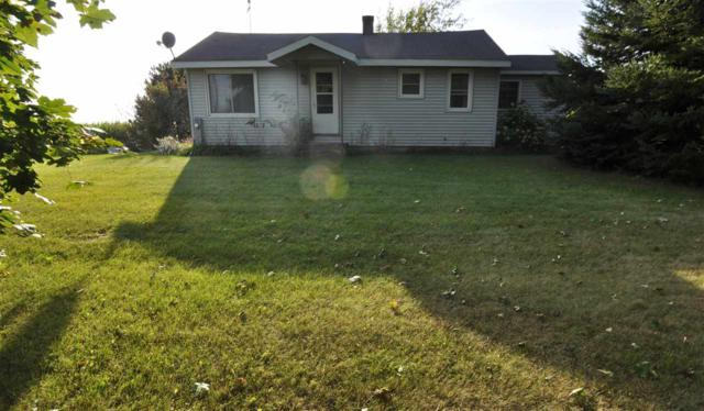 2862 Hwy P, Luxemburg, WI 54217 (#50172060) :: Todd Wiese Homeselling System, Inc.