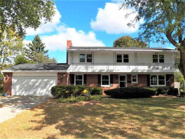 400 Roselawn Boulevard, Green Bay, WI 54301 (#50172431) :: Todd Wiese Homeselling System, Inc.