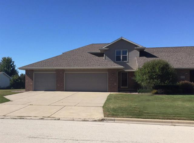 2733 Don Gerard Way, Green Bay, WI 54311 (#50172670) :: Todd Wiese Homeselling System, Inc.