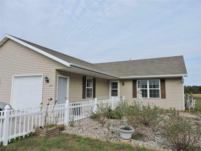 N1934 Lind Center Road, Waupaca, WI 54981 (#50172943) :: Dallaire Realty