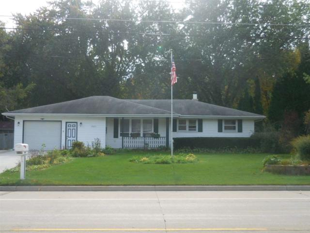 1563 Cormier Road, Green Bay, WI 54313 (#50172993) :: Todd Wiese Homeselling System, Inc.