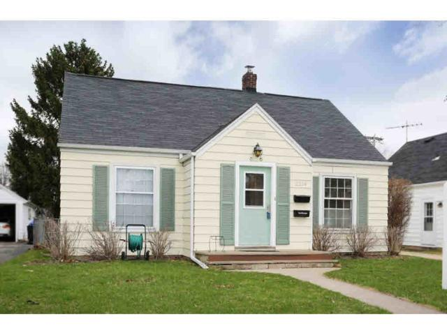 2214 N Division Street, Appleton, WI 54911 (#50173204) :: Todd Wiese Homeselling System, Inc.
