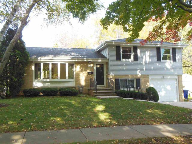 1356 Servais Street, Green Bay, WI 54304 (#50173374) :: Todd Wiese Homeselling System, Inc.