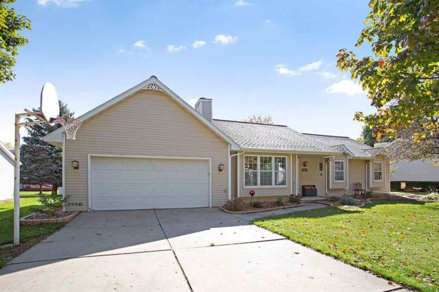 816 W Gile Circle, De Pere, WI 54115 (#50173384) :: Todd Wiese Homeselling System, Inc.