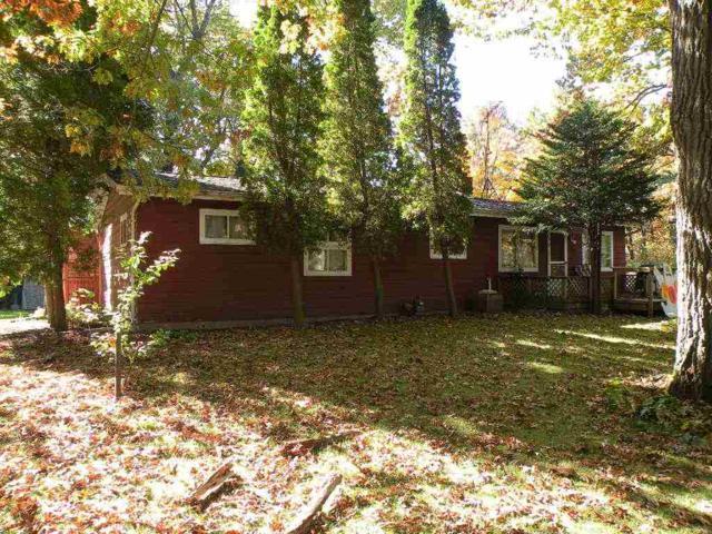 625 Illinois Avenue, Green Lake, WI 54941 (#50173684) :: Dallaire Realty