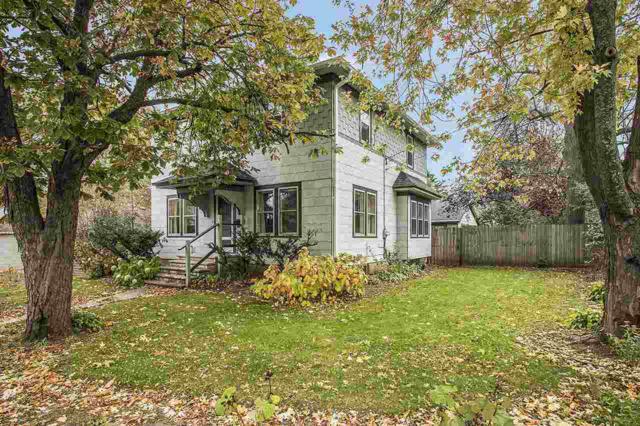 302 E Allouez Avenue, Green Bay, WI 54301 (#50174116) :: Dallaire Realty