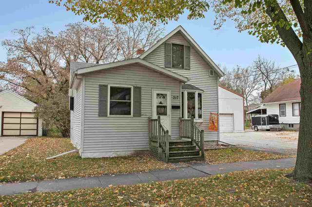 317 S Roosevelt Street, Green Bay, WI 54301 (#50174135) :: Dallaire Realty