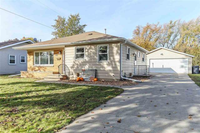 548 Clover Lane, Green Bay, WI 54301 (#50174266) :: Dallaire Realty