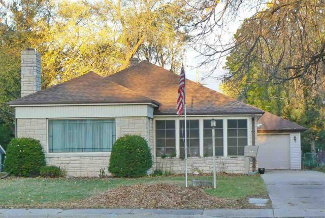 3018 S Webster Avenue, Green Bay, WI 54301 (#50174356) :: Dallaire Realty