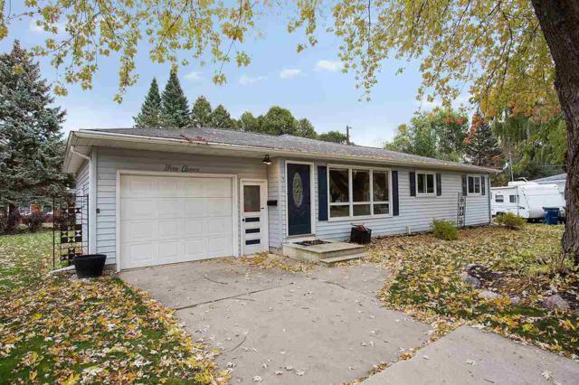 511 Blackhawk Drive, Green Bay, WI 54301 (#50174534) :: Dallaire Realty