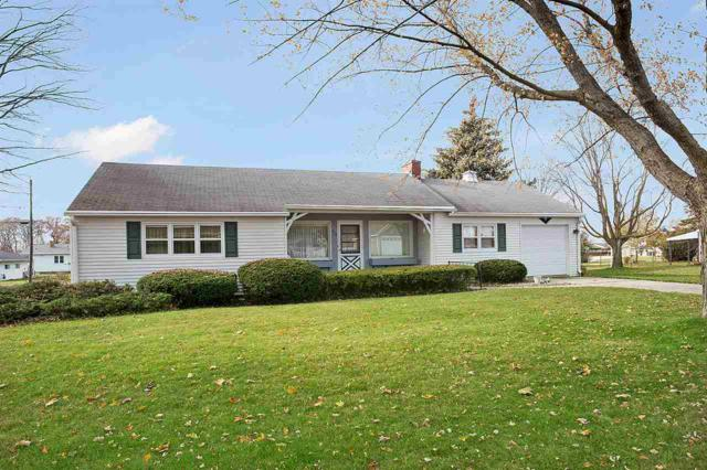 319 1ST Street, Luxemburg, WI 54217 (#50174696) :: Todd Wiese Homeselling System, Inc.