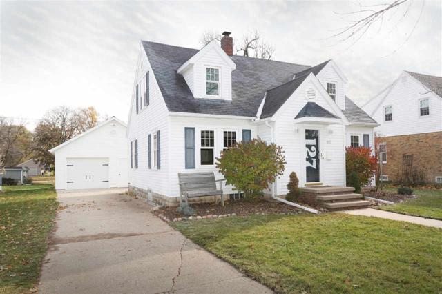127 S Pine Street, Kimberly, WI 54136 (#50174723) :: Dallaire Realty