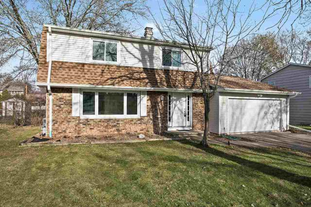 535 Hilltop Drive, Green Bay, WI 54301 (#50175105) :: Todd Wiese Homeselling System, Inc.