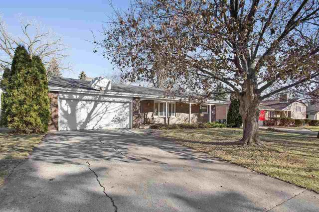331 Floral Drive, Green Bay, WI 54301 (#50175220) :: Todd Wiese Homeselling System, Inc.